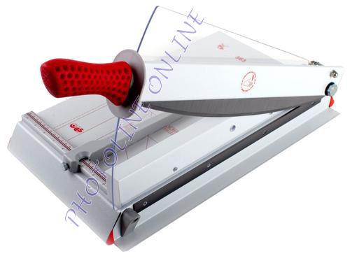 Karos papírvágógép, 37 cm/30 lap, automata ívleszorítás