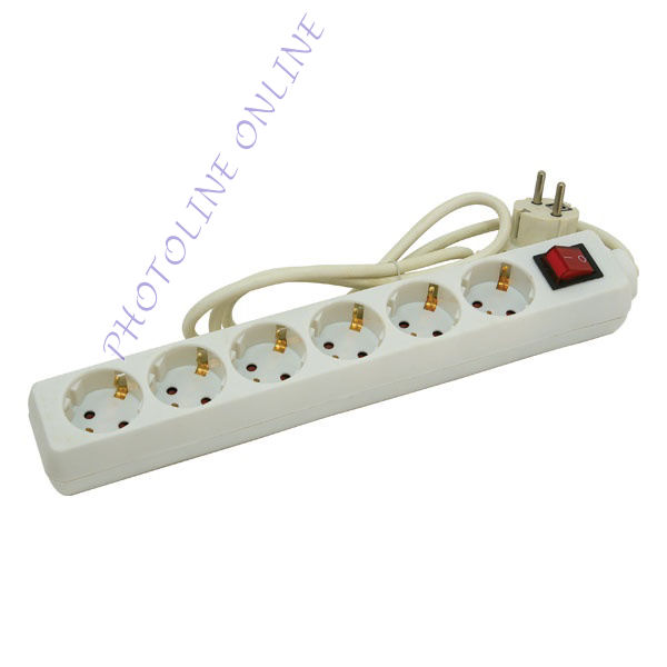 Villamos elosztó, kapcsolóval, 5 aljzat, 1,5m kábel, földelt, 250V/16A, max 3500W