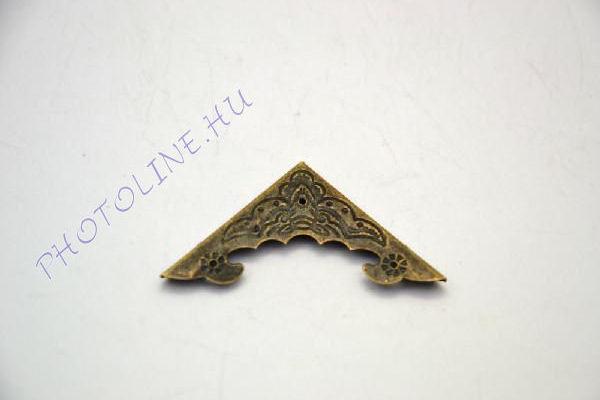 Fém sarokelem peremmel, mintás 3,9*3,9 cm
