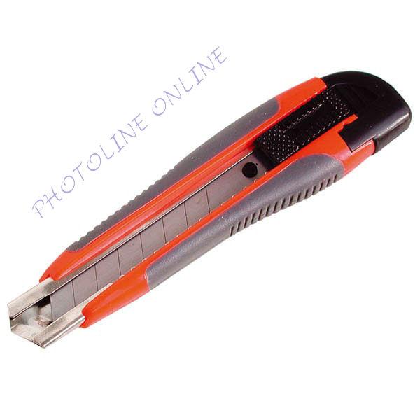 Tapétavágó kés, 18mm, fémházas, gumírozott pótpenge: 9123A (80039)